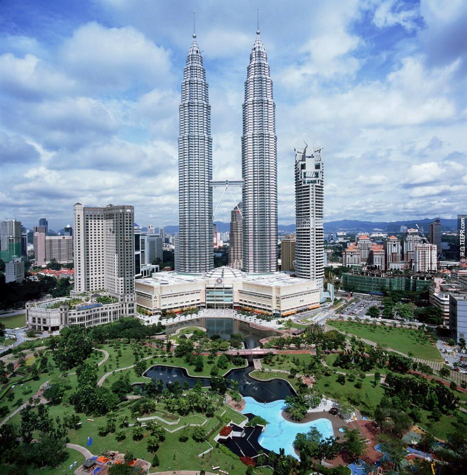 雙子塔之間的橋樑 (吉隆坡,馬來西亞)