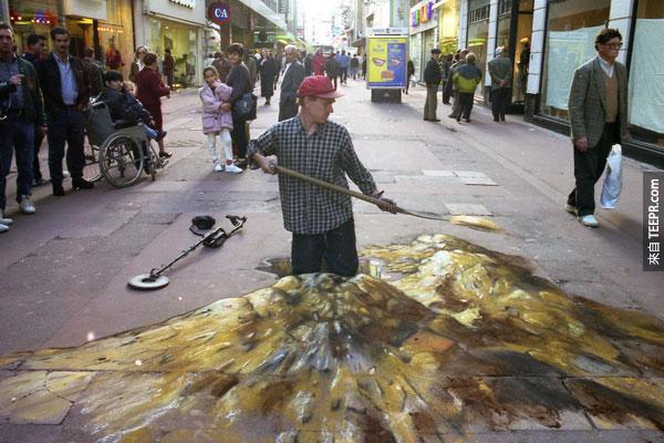 """他的""""變形幻想""""藝術都會讓你產生視覺上的錯覺。"""