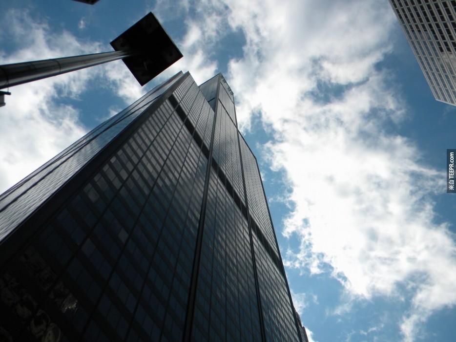 芝加哥威利斯大廈上面的 Skydecks