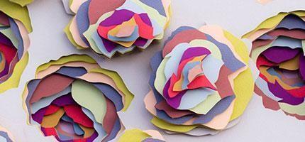 這名女子用這幾千張紙做成的東西讓我感到神智不清。真的是太驚人了。
