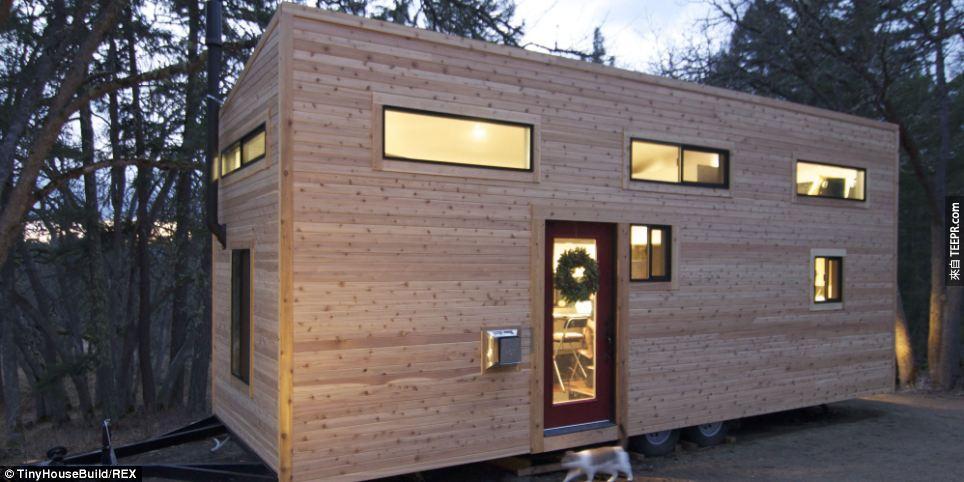 這對夫妻放棄跟世界玩金錢的遊戲,決定打造出這間所有人夢寐以求的移動小豪宅。
