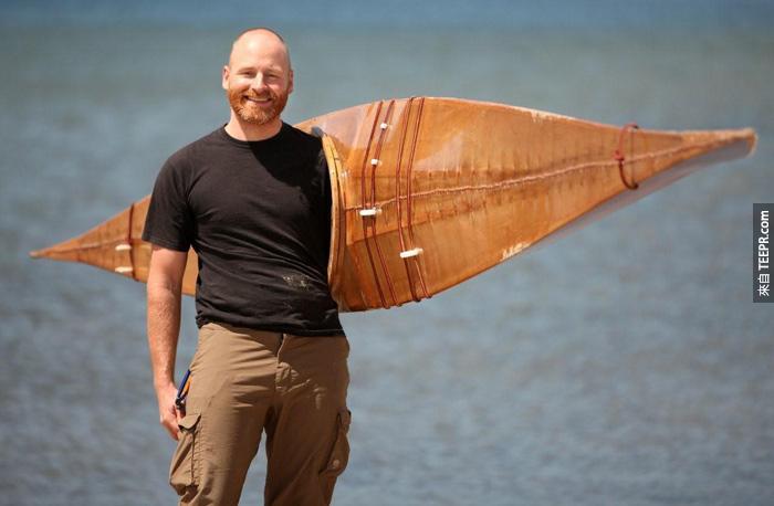 这是Brian跟他做的皮船。可以看得出来他真的很有天份。
