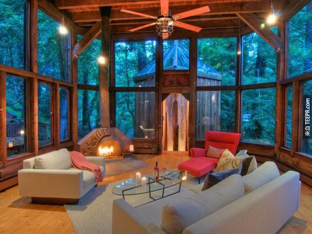 落地窗户的户外梦幻木屋?我也要。