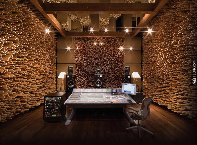 喜歡木頭風格的人,我這裡有一個你一定會很喜歡的房間。