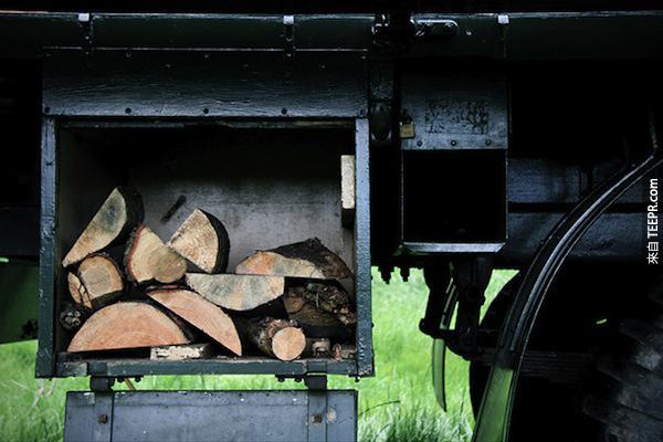 他們原本要報廢這台老舊的卡車,但是後來他們決定把它變成一個超棒的賺錢工具...太酷了!