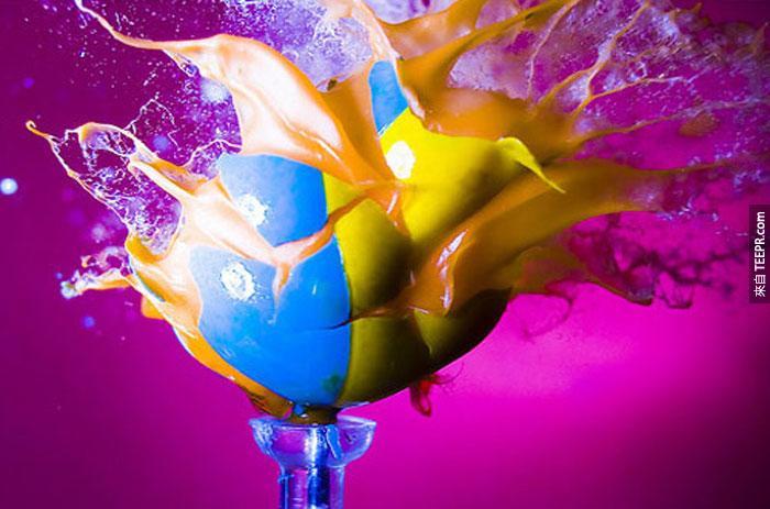 29) 一個爆炸的漆球。