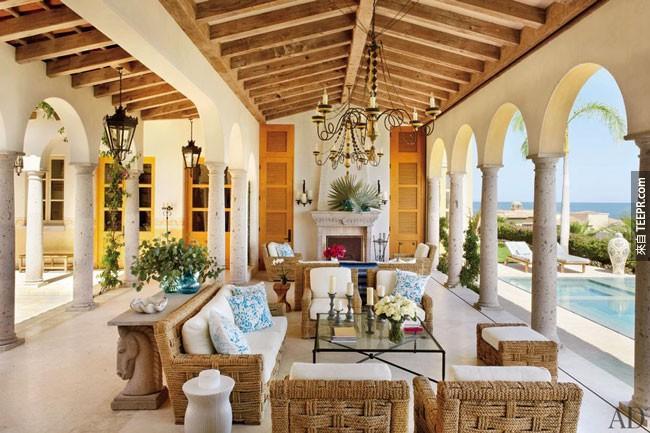 24. 如果有这样开放式的客厅可以让你俯瞰科尔特斯海,为什么还会有人想要看电视?(墨西哥)。
