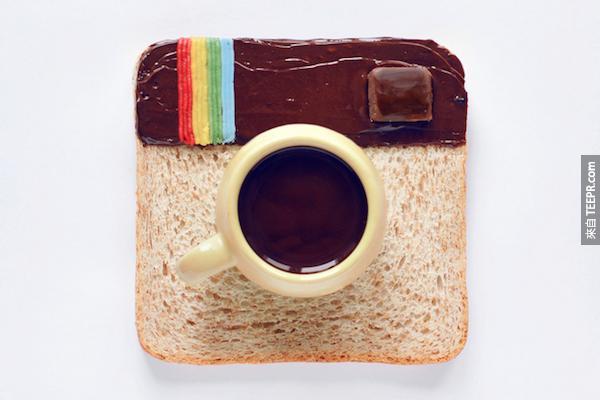 Instagram每分鐘增加216,000張照片。