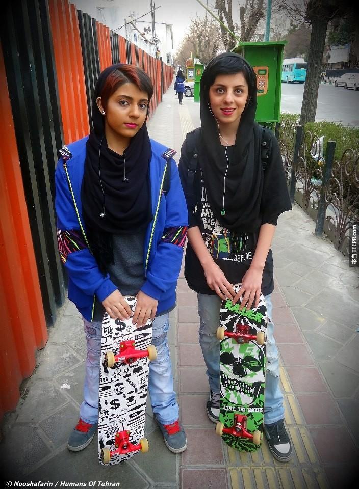 德黑蘭的滑板女孩。