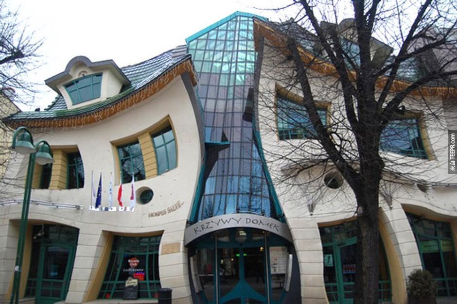 15)Krzywy Domek異形建築 - 索波特,波蘭