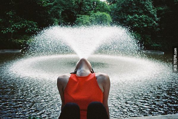 34.) 真是一個很獨特的噴水池...