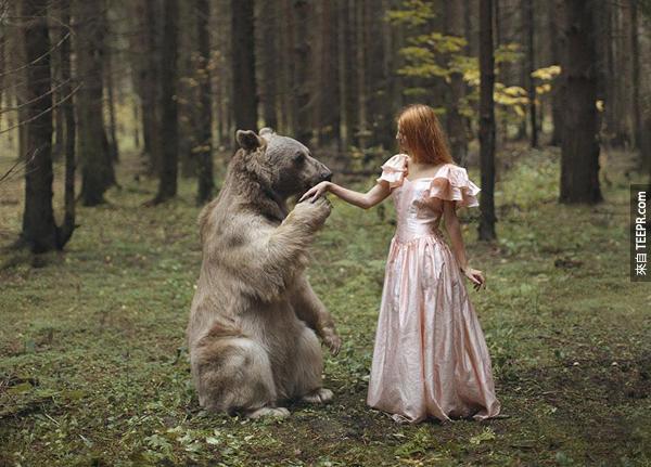 這名莫斯科攝影師的專長就是拍出好像是童話故事的照片。