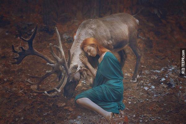 Katerina找了訓獸師來張住她拍出這些議驚人照片。