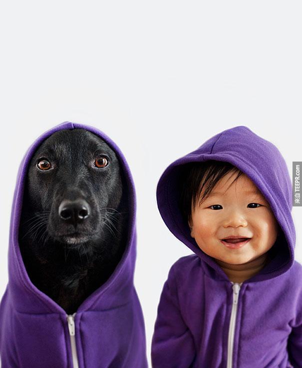 這隻被丟到水溝裡的小狗的遭遇真的很慘,但是後來她卻變成了網路知名的狗明星...太不可思議的遭遇!