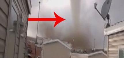 這些人冒著生命危險,拍下這段跟龍捲風的零距離片段。