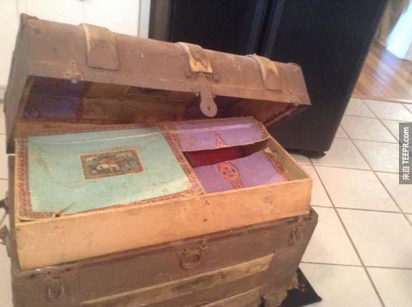 爺爺過世之後,家人發現他所留下的一個行李箱。裡面的東西太讓人著迷了!