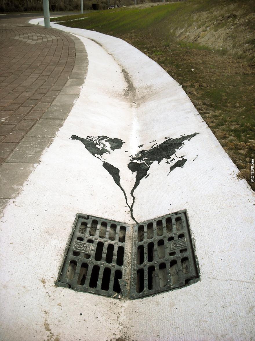 這28個融入環境的街頭藝術真的太天才了!特別是英國那撮草叢 (讓我好害羞)...
