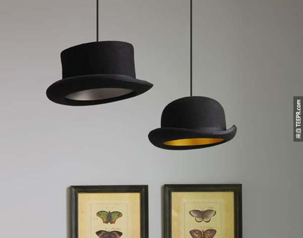 9.) 看看能不能找到一些旧的二手帽子,可以把它们成超酷吊灯。