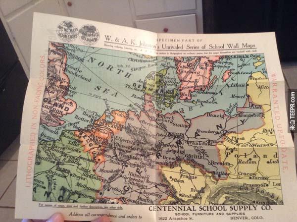 箱子裡最後一個令人注意的東西是一個北歐的版畫地圖。