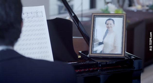 這個爸爸在女兒的婚禮上彈奏鋼琴的時候,所有人都哭了。原因令人太感動了!