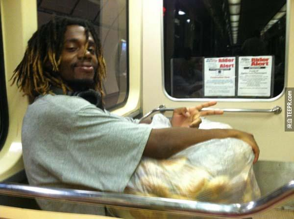 45.) After work, this man takes uneaten bagels and hands them out to the needy on the street.