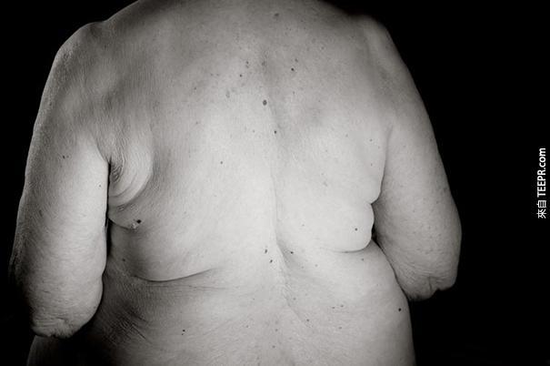 這名攝影師讓我們看到100多歲的人類的身體長的什麼樣子。這讓我期待未來!