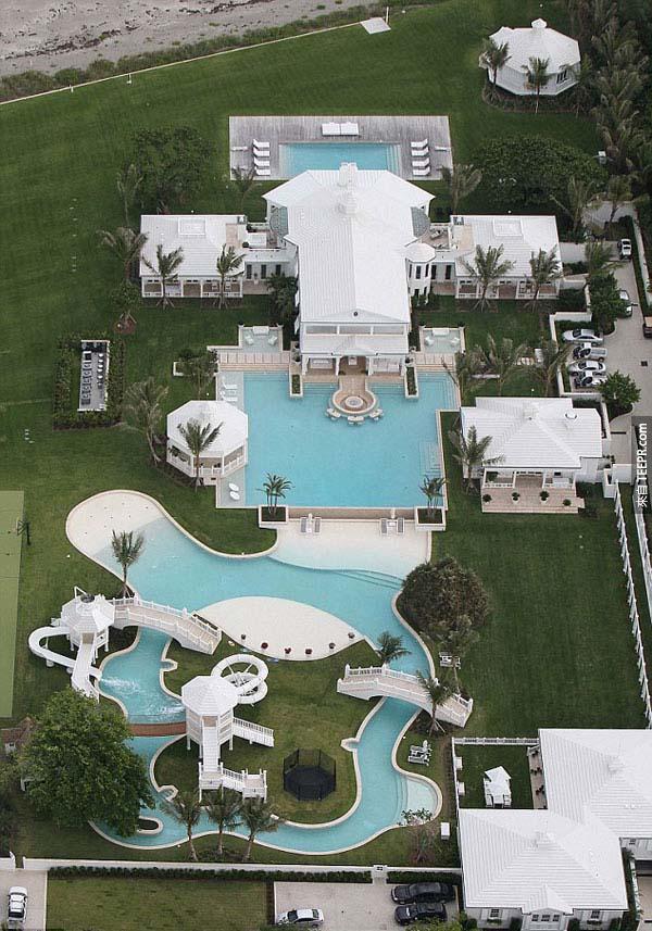 12.) 席林‧狄翁(Celine Dion)的水上樂園豪宅。