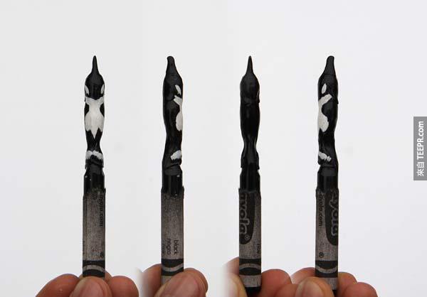 這個女孩用這些蠟筆做成的東西真的太酷了。這一定花了她好多時間,但是太值得了!