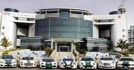 看到杜拜警察開的車子之後,你就可以想像那個國家有多富有了。(羨慕指數飆高)