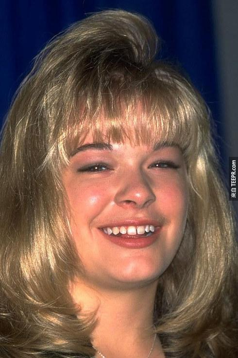 這33張之前之後的巨星照片可以證明好看的牙齒就是關鍵。湯姆·克魯斯也差太大了吧?