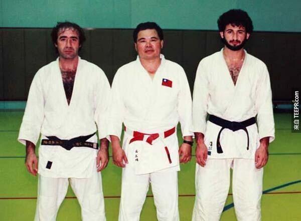 15)本·拉登和他的柔道同學。