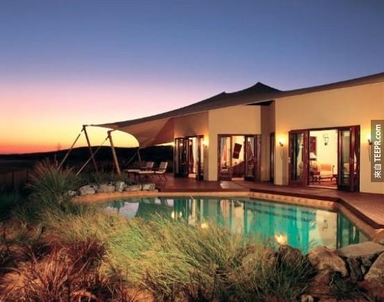 23. 阿瑪哈沙漠度假酒店 - 迪拜,阿拉伯聯合酋長國 (Al Maha Desert Resort – Dubai, United Arab Emirates)