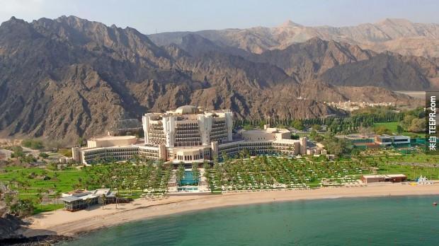 7. 布斯坦麗思卡爾頓酒店 - 阿曼 (Al Bustan Ritz Carlton – Oman)
