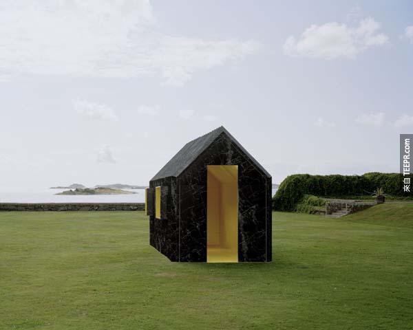 這間小屋子的概念真的很酷。相信我...特別是當你發現到它是用什麼材料做的時候...