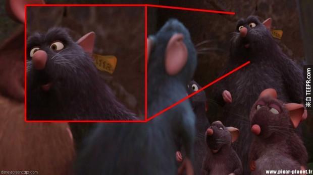 《料理鼠王》的一隻老鼠身上的標籤上也有。