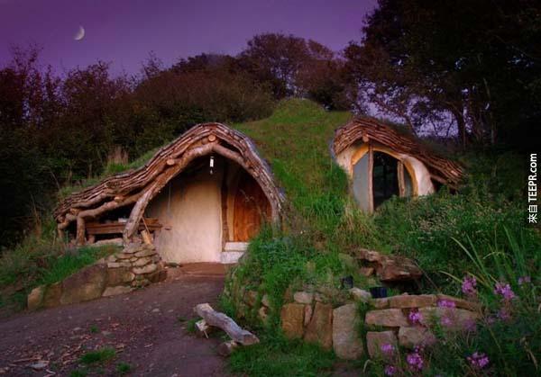 18.)位於威爾士的哈比人屋,是間低汙染的木造屋。