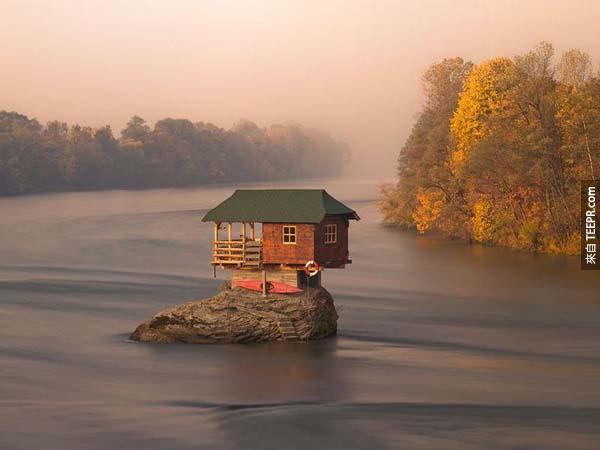 5.)德里納河的家,位於塞爾維亞。