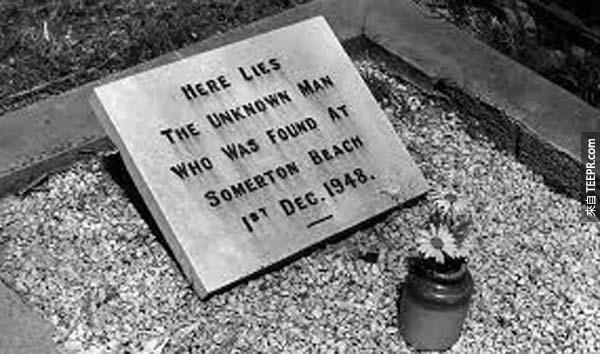 18.) Taman Shud: 有一具被沖刷到澳洲沿岸的屍體上包裹著一些文件。這具屍體是在附近的廢棄車旁找到的。在車內,人們發現了一本書,而這本書裡的數字密碼至今從未被破譯。