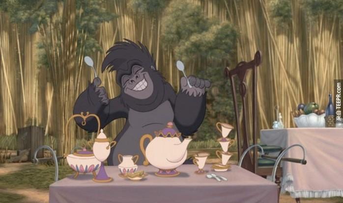 电影泰山中出现的中国仿制品,完整的复制了美女与野兽中的餐具组。