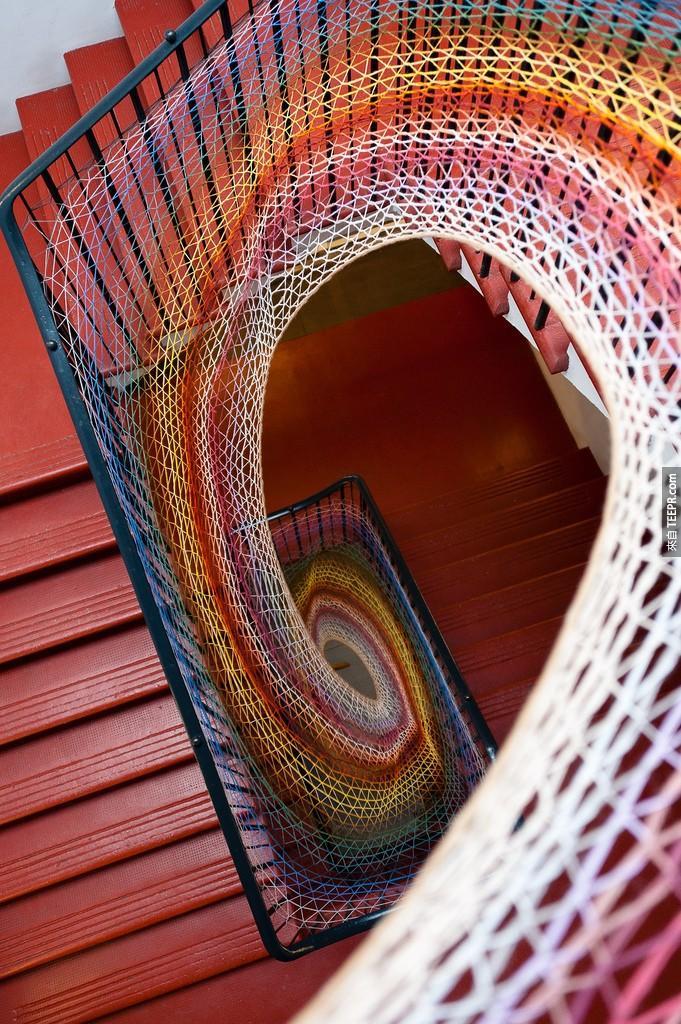 达夫科特工作室的彩色编织楼梯 (爱丁堡)
