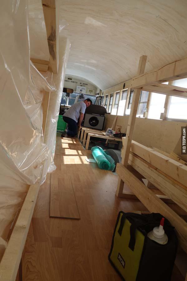 這是巴士後半部半完成前的樣子。
