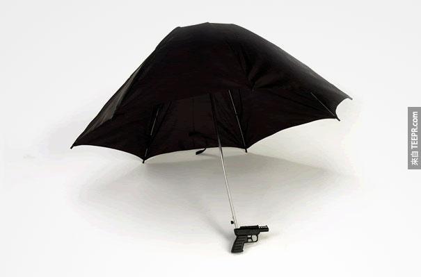 22.)雨傘+水槍!太有趣了,好想要一把~