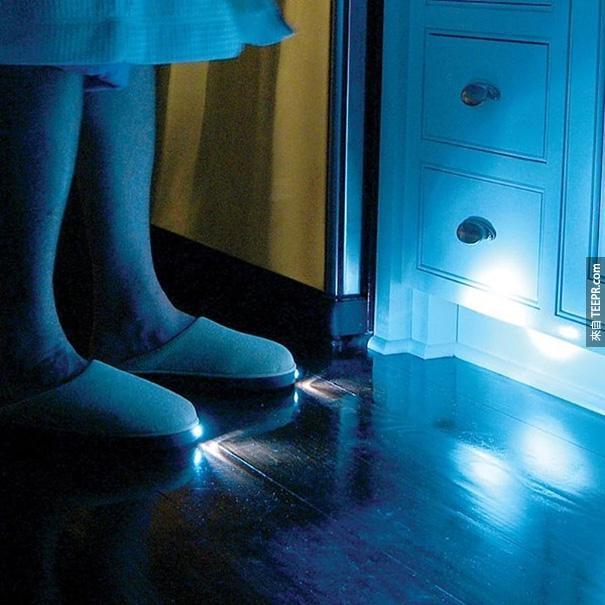 30.)這雙鞋,讓你不怕在半夜被玩具絆倒!