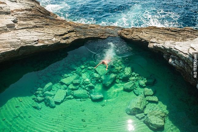 #23.這是在希臘的一個潟湖,好美...