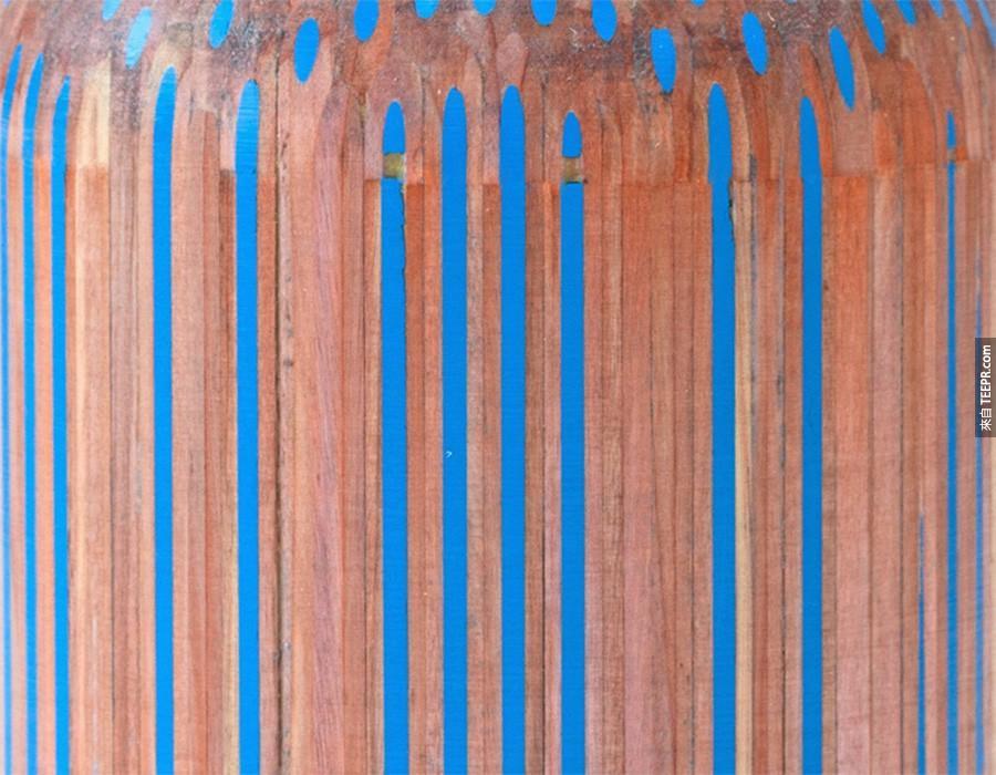 這個藝術家把一大堆鉛筆黏在一起,然後把它們變成不可思議的傑作。