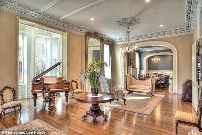 這對夫妻花了1塊美金買下這間破爛的房子,然後把它變成一間知名的超級豪宅。