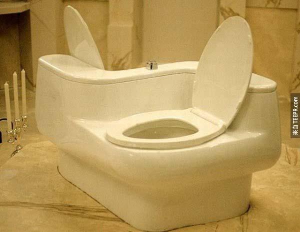 18.) 這個雙馬桶雖然是給熱戀中的情侶設計的...但是用完之後還會在熱戀中嗎?