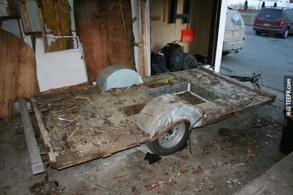 這對情侶買了一台沒有人要的老舊露營車!很多人都不贊成,直到他們看到大改造後的樣子。