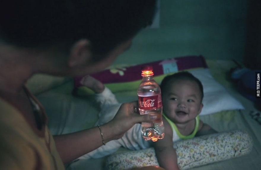 可口可樂喝完後瓶子可以用來做什麼?16個超酷的瓶蓋發明,馬上讓你的生活更便利。