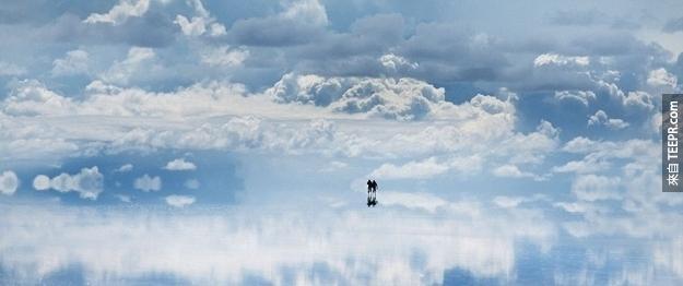 22.这是在玻利维亚的盐田拍的。